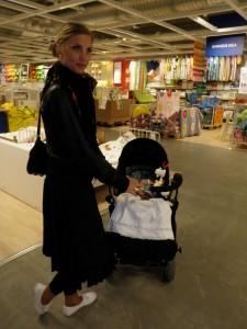 Med faster Eva på IKEA