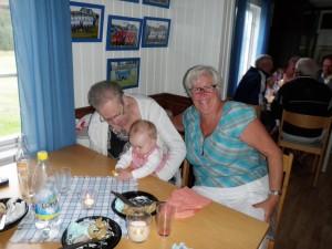 Med gammelmoster Marianne och gammelmoster Kickan