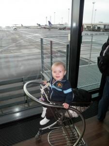 Spejar ut på flygplanen