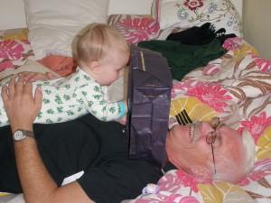 Leker gömma farfar