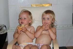 Två söta tjejer